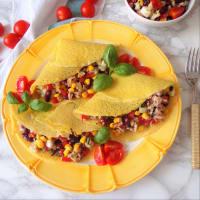 Crepes saladas con atún, frijoles rojos y maíz