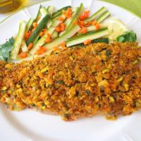 Filetes de salmón gratinado de la trucha con el calabacín y zanahorias paso 3