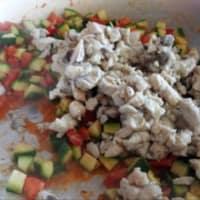 La mitad de las mangas con el calabacín y crema de pescado con pesto paso 8