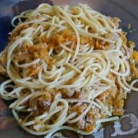Espaguetis con atún y zanahorias