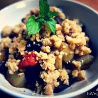 Desmenuzar berenjena y tomates cherry con piñones paso 1