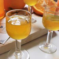 Inicio hecha licor de naranja