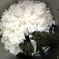 Galletas de arroz fragante mezclada con especias y semillas paso 1