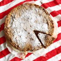 Torta rustica con fichi secchi, pinoli e noci
