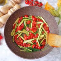 Pizzoccheri con flores de calabacín, calabacín y tomates cherry paso 2