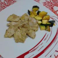 Pollo Al Cocco Con Contorno Di Zucchine...