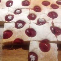 Pastel de frambuesa y chocolate blanco aplastado paso 8