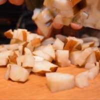 TORTELLONI nueces y gorgonzola con peras y ricotta paso 1
