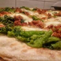 pizza de salchicha y friariellii