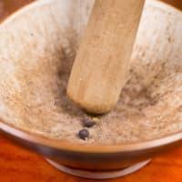 Ravioli con seitán estofado con crema de boletus y achicoria roja paso 4