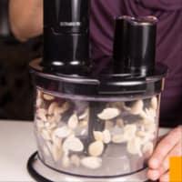 Ravioli con seitán estofado con crema de boletus y achicoria roja paso 7