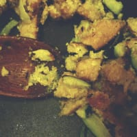 crujiente de seitán con calabacín