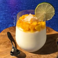 Crema fría de arroz con coco y mango