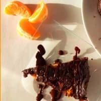 Pie Gachas de café y mandarín con triple chocolate