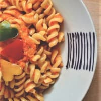 Pasta with cream of peppers