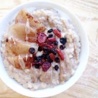 Vegan Porridge Apple and Almond
