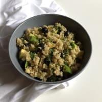 Quinoa y ensalada de arándano