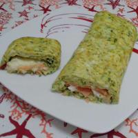 Roll Of Zucchini Omelette With Salmon And Mozzarella ... !!!