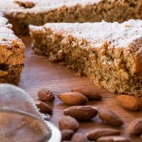 Tía pastel de almendras Luigina