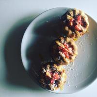 Empanadas con las fresas y el ajuste de coco
