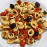 Orecchiette con la salsa de oliva negro