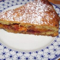 Double-layer peach tart and fruit preserves