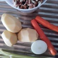 Zuppa ricca con cavolo viola step 1