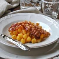 Gnocchi con crema di zucca,uvette e pancetta