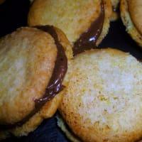 Galletas rellenas con nutella