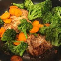 Pavo con brocoli y zanahorias