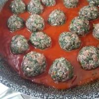 Albóndigas con acelgas en salsa de tomate paso 7