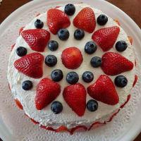 Torta de esponja fresas crema y arándanos
