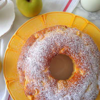 Apples and yogurt donut without butter
