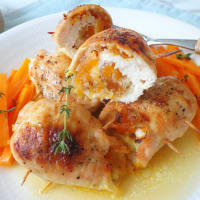 Chicken rolls with dried carrots and apricots in the oven