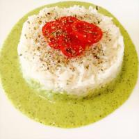 Riso basmati su crema di zucchine e pomodorini