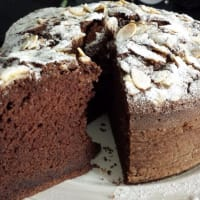 Torta al cacao con albumi