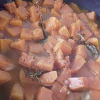 Spaghetti rigati con polpa di zucca e olive dolci step 3