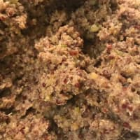 Albóndigas de quinua roja y guisantes con crema y salsa paso 2