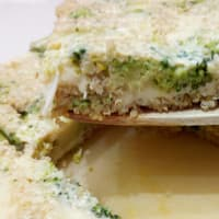 Quiche di broocoli con crosta di quinoa