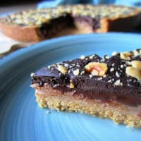Pear and chocolate tart without butter and dairy products