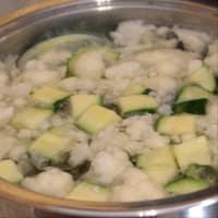 las pastas de trigo sarraceno con la coliflor y el cannabis paso 1