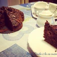 Sweet chocolate cake and raspberries step 3
