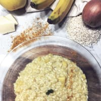 Risotto alle banane, mele e curry.
