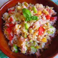 Cold rice with zucchini and peppers