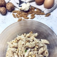 Mezze penne of kamut with mascarpone, gorgonzola and walnuts