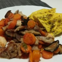 Rabbit and carrots with shitake mushrooms