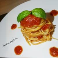 Espaguetis con tomate fresco