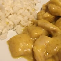 Pollo al curry y coco