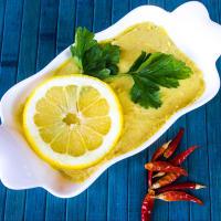Hummus con lentejas amarillas jengibre y la cúrcuma