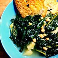 Stufato di cavolo nero e patate con crostoni di pane all'aglio step 5